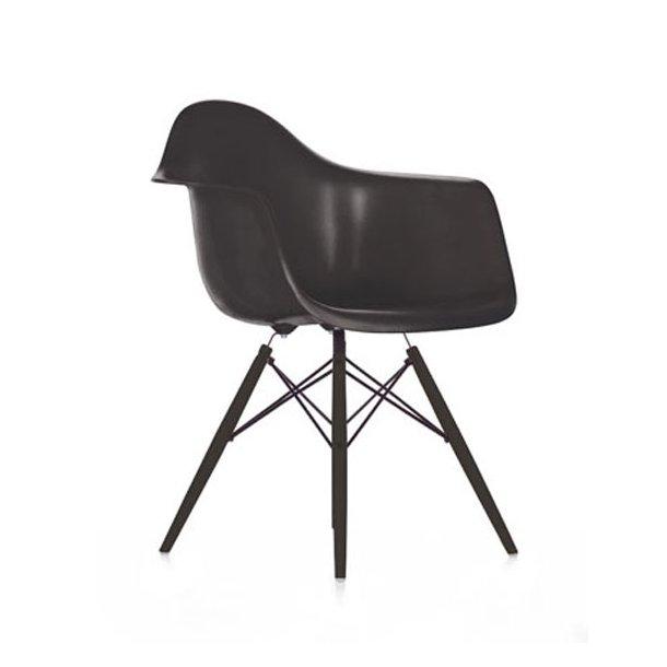 Eames DAW stol sort med armlæn og træben - spisebordstol - klassiker - vitra (Kopi)